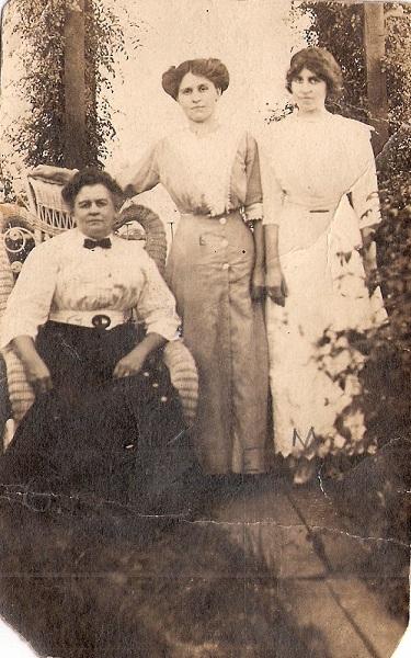 Ida Lockard Eisenberger and Daughters