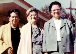 Evelyn Silvie Burkman, her mother Louise Heal Silve, and her cousin Nina Dakin Horn ca. 1962 on a trip to New England.