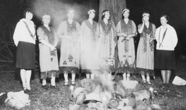 Camp Fire Girls 1928 Staten Island Copyright 2013 GenealogySisters.com