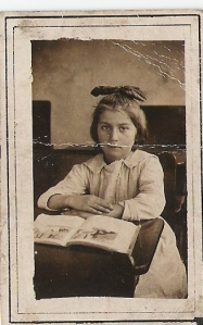 Mary Mirota, 1922