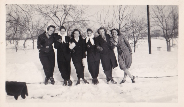 SnowFriends1945