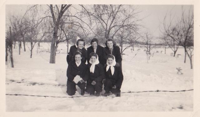 SnowFriends1945B