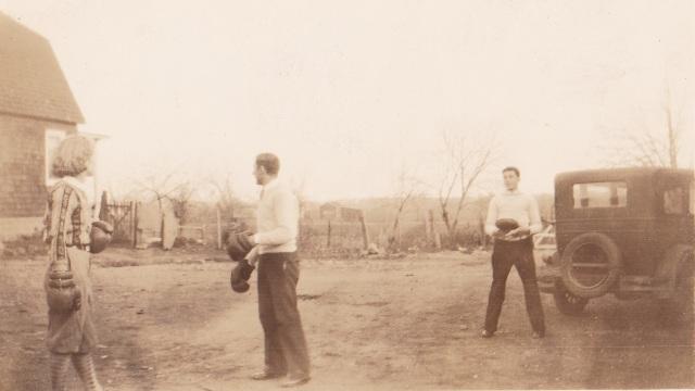 Gen Mirota boxing. 1934