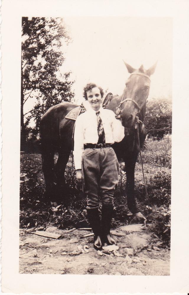 LadyWithHorse1939