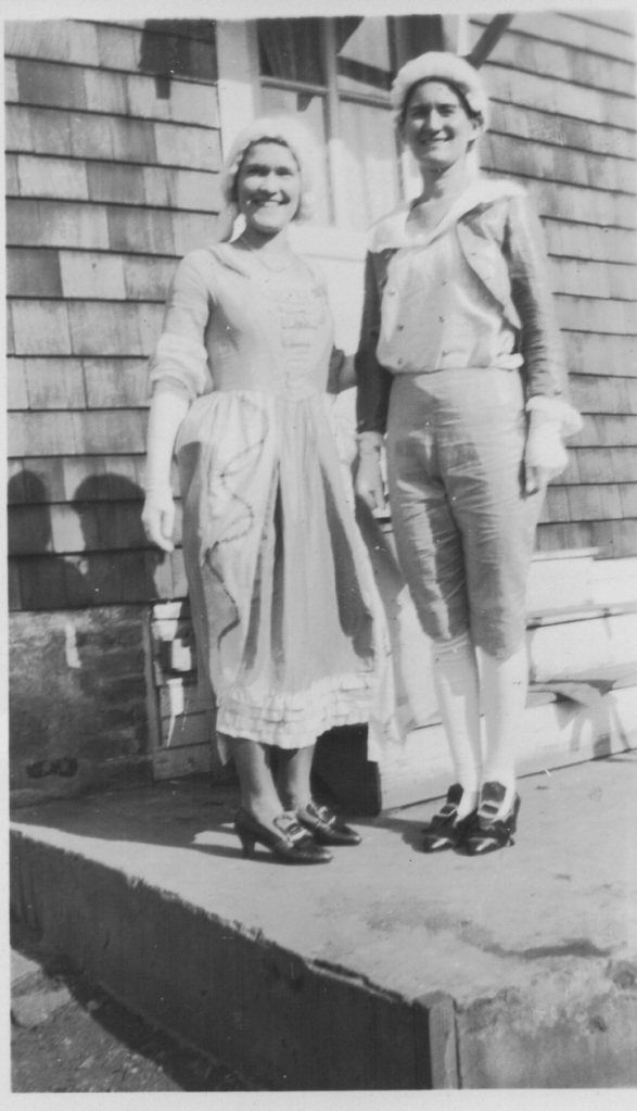 Mirota sisters as George and Martha Washington, 1932