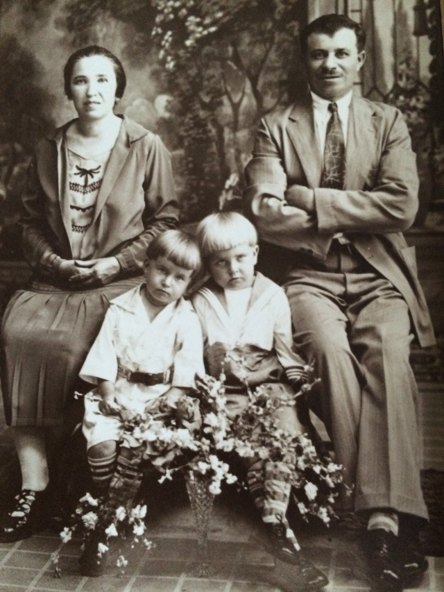 Matyas and Rosa Bako Szanto, with their children, Michael and Steven - Photo belonging to Cindy Doran