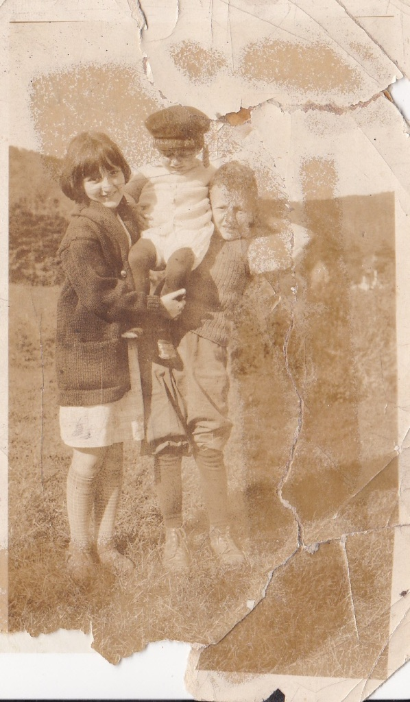 """Elia and Edward Del Carlo - 10 years old - 1925."