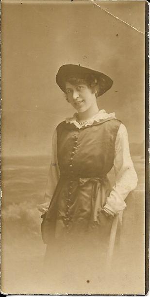 Sarah Hermon Doran Gates (1890-1970). Photograph from Phil Doig.