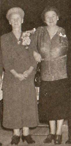 Sophia Szczerba Mirota (1879-1953) and Mary Margaret Mahoney Doran (1895-1961). AKA Bapcia and Nana.